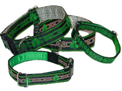 Shamrock dog collars design